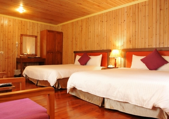 【Log Cabin】Four-person Family Room